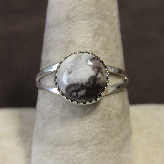 Sterling Silver and Magnesite Ladies Ring Size 8.75
