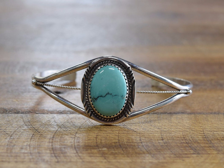 Exquisite Sterling Silver Turquoise Bracelet