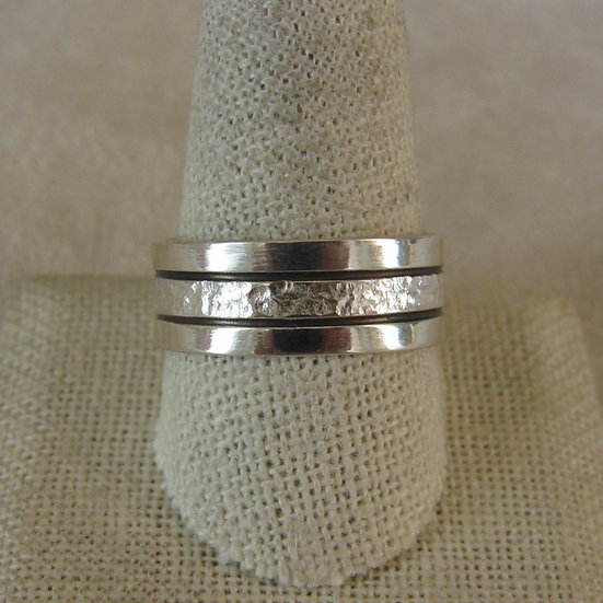 Sterling Silver Band Ring With Textured Center Size 11.25