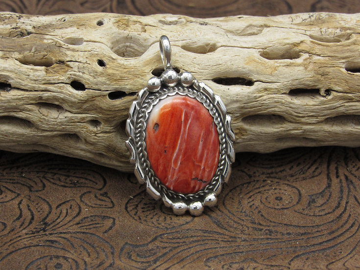 Sterling Silver Southwestern Red Spiny Oyster Pendant