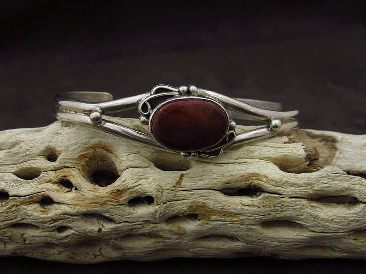 Navajo Purple Spiny Oyster Cuff Bracelet by G. Yazzie