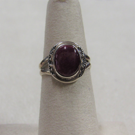 Sterling Silver and Purple Spiny Oyster Ring Size 6
