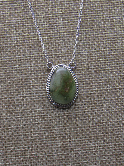 Stunning Green Turquoise and Sterling Silver Necklace