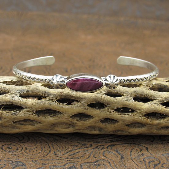 Lightweight Southwestern Sterling Silver Purple Spiny Oyster Cuff Bracelet