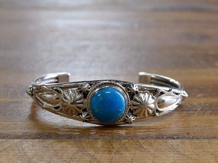 Beautiful Turquoise Sterling Silver Bracelet By Raymond Delgarito
