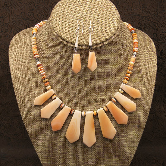 Spiny Oyster Slab Necklace and Earring Set