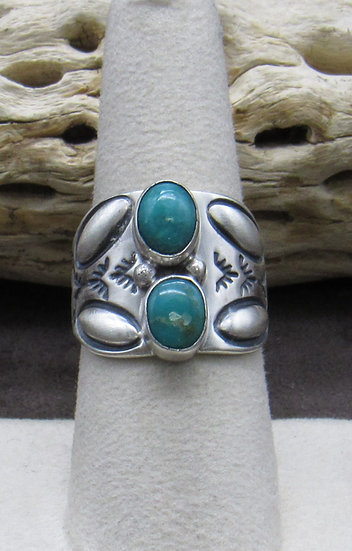 Classic Sterling Silver and Turquoise Ring Size 8 1/2