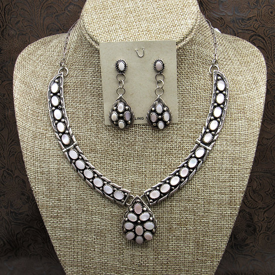 Gorgeous Navajo Mother Of Pearl Necklace And Earrings Set