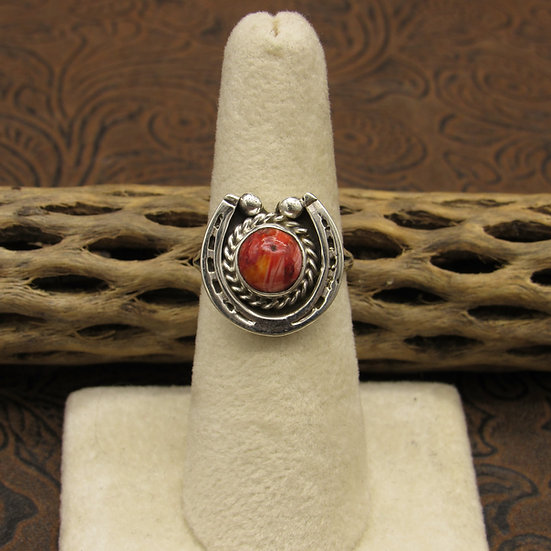 Sterling Silver And Spiny Oyster Shell Horse Shoe Ring Size 7