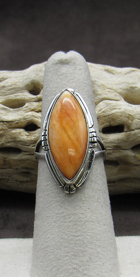 Beautiful Sterling Silver and Spiny Oyster Ring Size 6