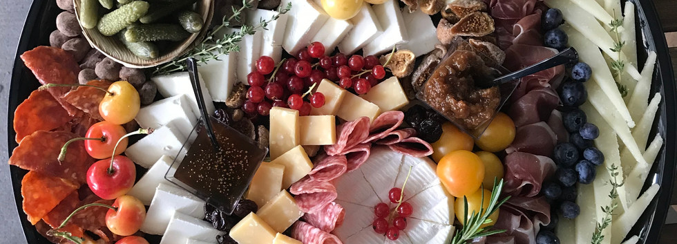 Cheese & Charcuterie Platter for 15 People