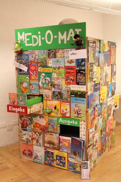 Medi-O-Mat Buch-Tausch-Maschine