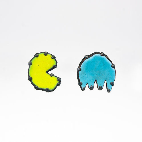 Front view from Pacman stud earrings, in Yellow and Maya Blue colours