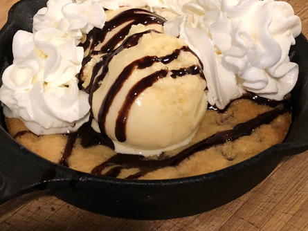 Iron Cast Skillet Chocolate Chip Cookie