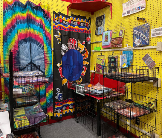 Tapestries, Bead Curtains, Posters, & Rugs
