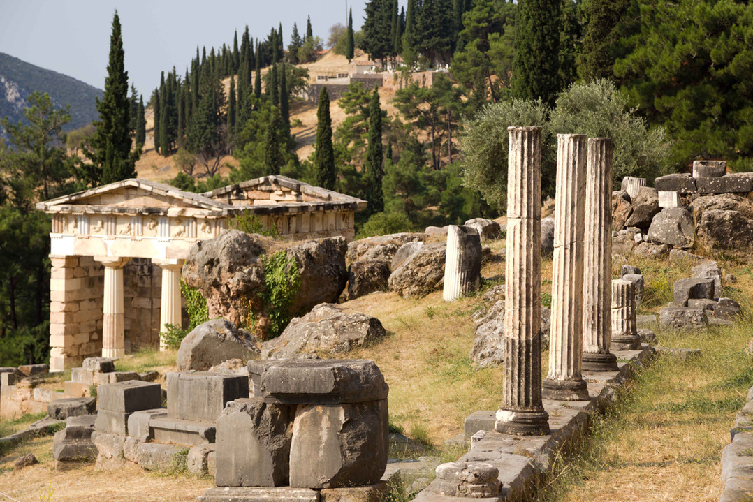 delphi central greece road trip museums