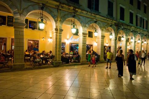 corfu spianada night cafes bistros perso