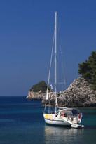 sail boat greece aegean ionian rocks cop