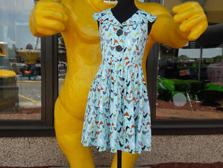 "Stories from the Road-Beebop & Wally: ""Get your dress before the Gorilla does"""