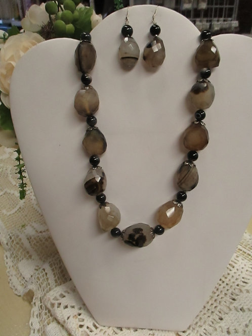 Chunky Black and Tan Chalcedony Necklace & Earrings