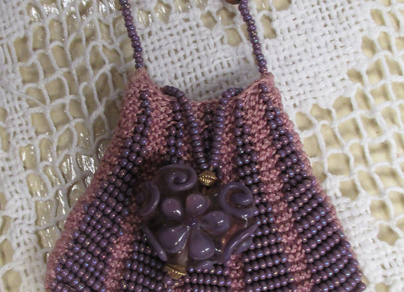 """""""Simply Lovely"""" Beaded Knit Amulet Purse Pattern"""