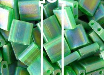 Tila Beads - Grass Green Matte ab