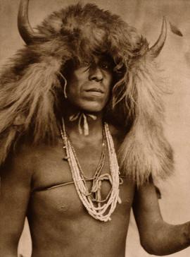 Sia Buffalo Mask, 1925