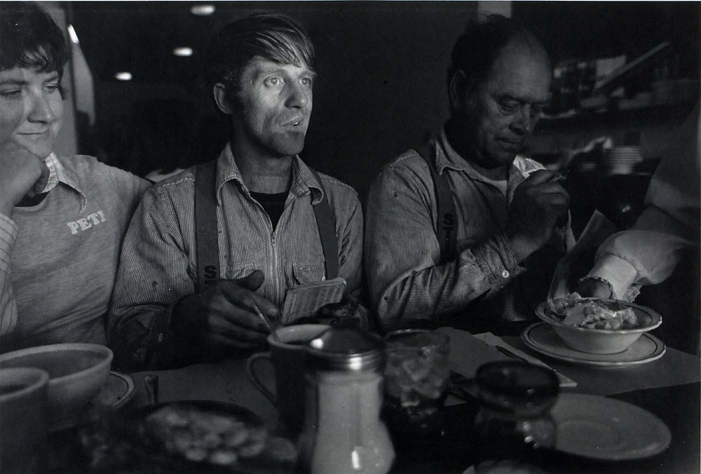 Larry Fink, (Untitled), from the Seattle Arts Commission Photo Survey, 1980.