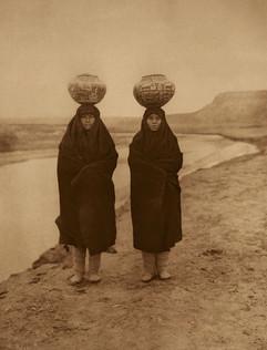 Zuni Girls at the River, 1903