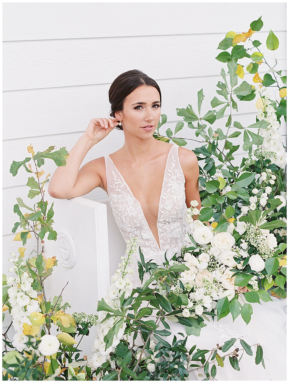 the pearl at sabine creek, bridal portrait, bridal photography, dallas wedding photography, dallas wedding, spring wedding, natural bridal makeup, texas, floral installation, yellow, white, green, bridal bouquet , bridal hair updo