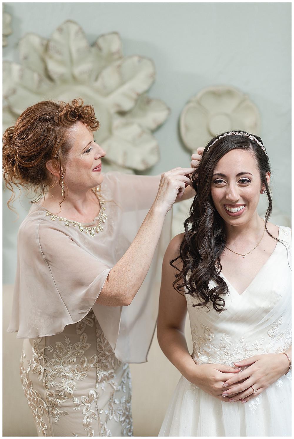 Chapel Ana Villa, The colony Texas, dallas wedding, dallas wedding photography, dallas wedding venue, brides mom putting in veil