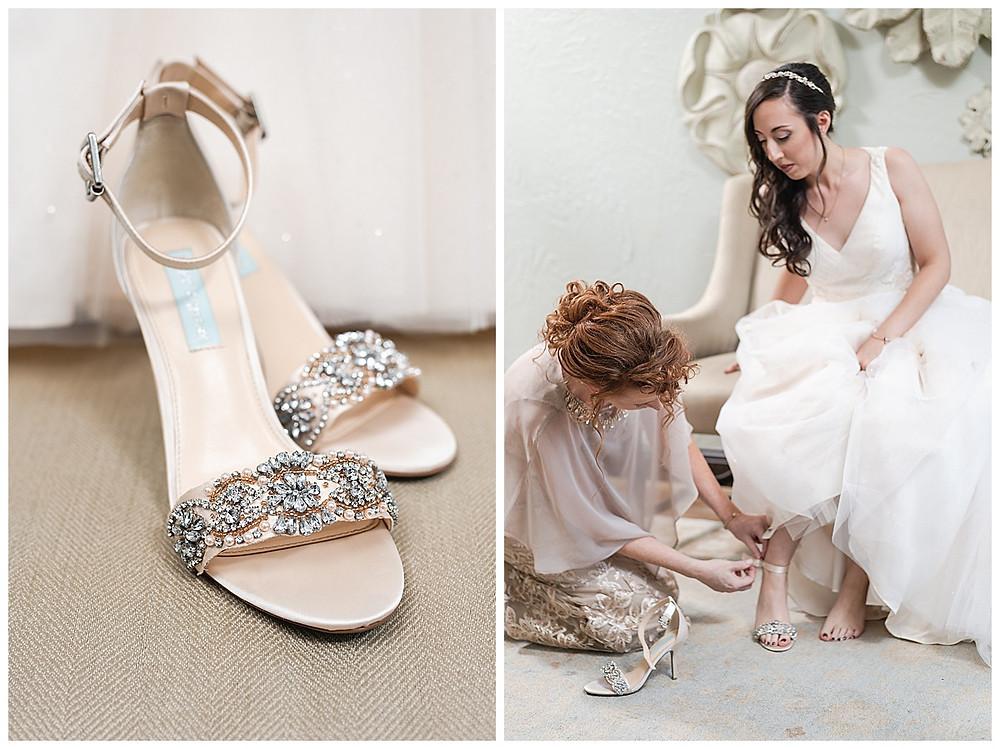 Chapel Ana Villa, The colony Texas, dallas wedding, dallas wedding photography, dallas wedding venue, bride putting on wedding shoes
