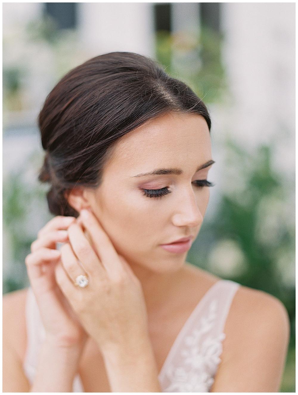 the pearl at sabine creek, dallas wedding photography, dallas wedding, spring, natural bridal makeup, texas, hair updo, bridal photography, bridal portrait