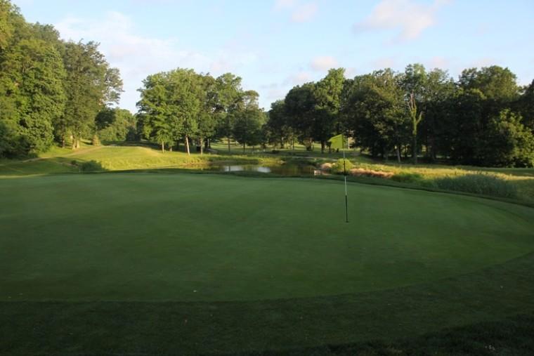 IMG_Bay-Hills-Golf-Club_04_LR-e1459314059506