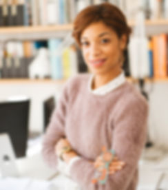 Image of yong Africa American woman symbolizing a solopreneur