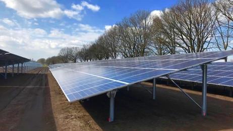 Zonnepark Hoogveld-Zuid Uden officieel geopend