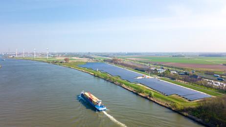 Zonnepark Transberg in Dordrecht geopend