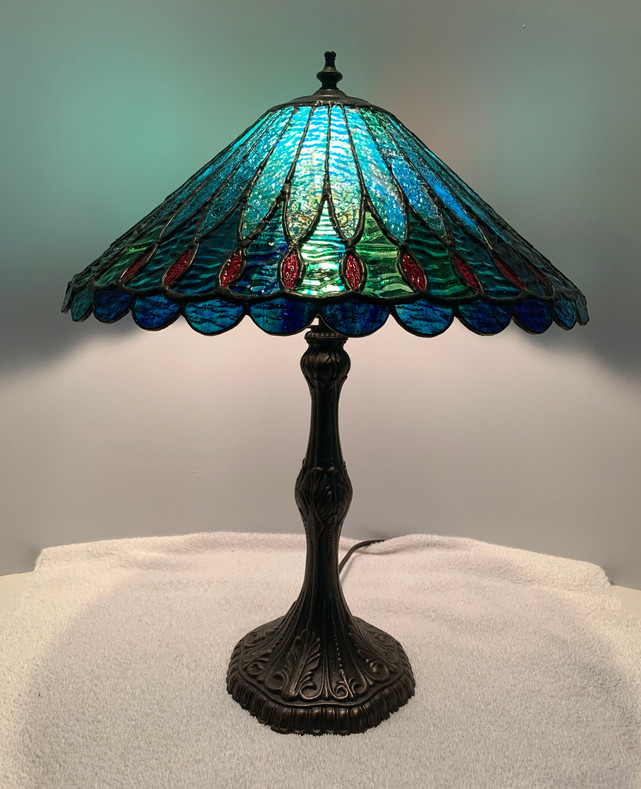 Tiffany Style Lamp (Includes Base)