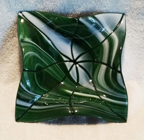 "10"" Green Whispy Fluted Bowl"