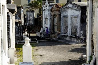 French Quarter and Cemetery Walking Tour