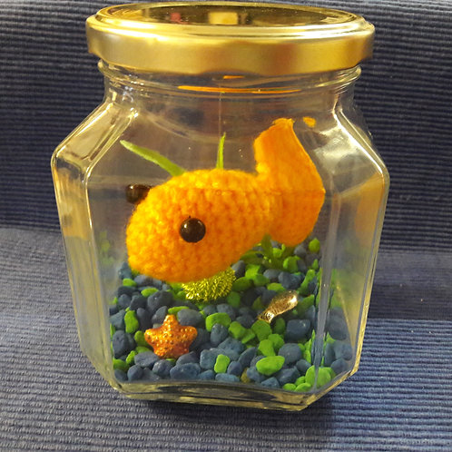 Goldfish Aquariums. No Feed Pets