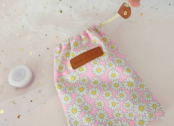 Daisy pink drawstring pouch