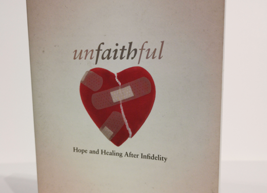 [Pre-loved] Unfaithful - Hope and Healing After Infidelity