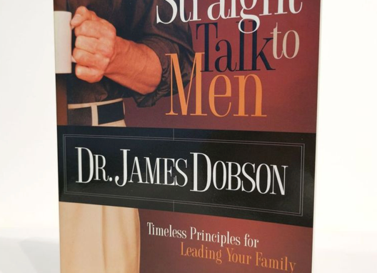 [Pre-loved] Straight Talk to Men: Timeless Principles for Leading Your Family
