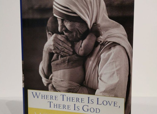 [Pre-loved] Where There Is Love, There Is God