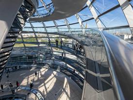 Aufgeblähter Bundestag in Zukunft mit 830 Abgeordneten?