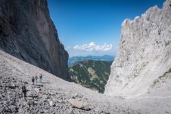 Abstieg durch die Steinrinne