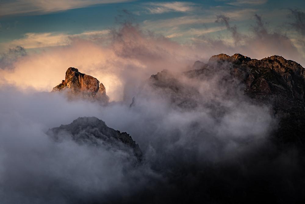 From Pico do Areeiro 1818m to Pico Ruivo 1862m