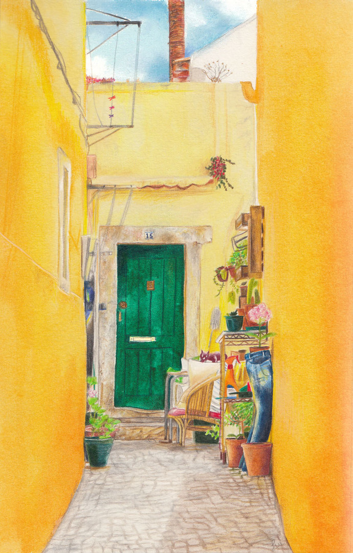 Alfama yellow corridor