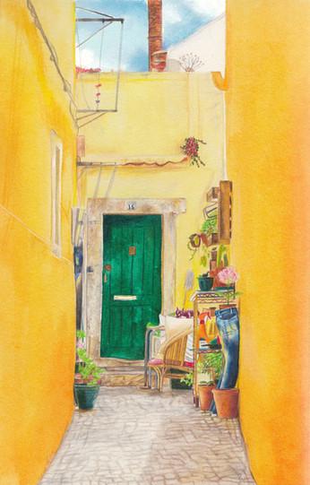 Alfama yellow corridor